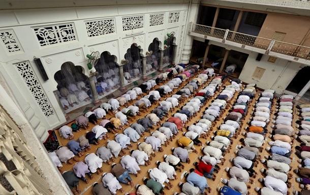 Время соблюдения поста месяца Рамадан