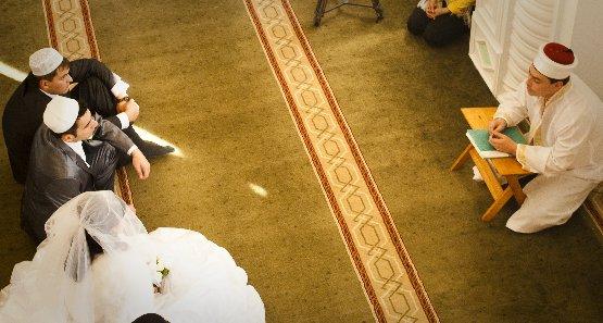 Что говорить мусульманину после проведения ему никяха (акта бракосочетания)