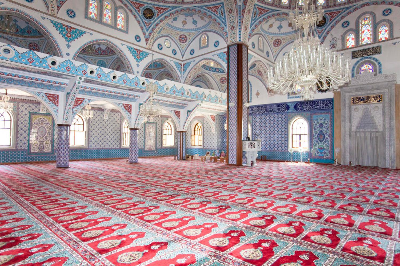 Как мусульманину вести себя в мечети